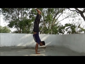 Learn__handstand_(tutorial_in_hindi)